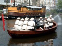 Löschvorführung im Alsterfleet