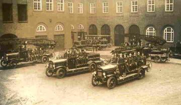 Auswahl aus Fotoarchiv der Hamburger Feuerwehr-Historiker
